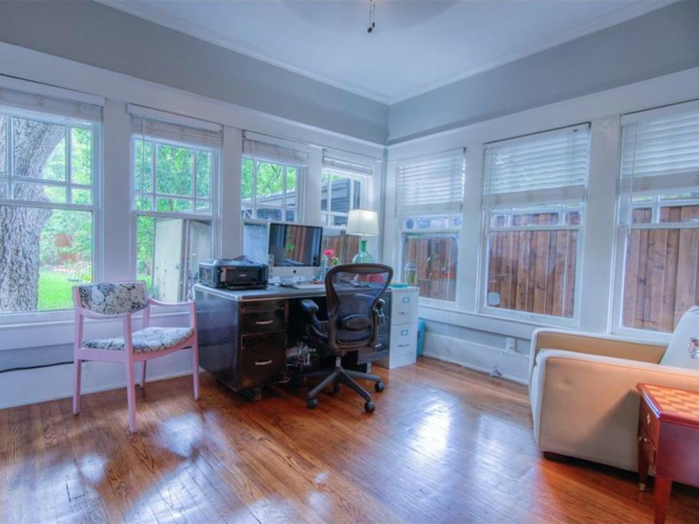 5823 Richmond Ave. Dallas home for sale office