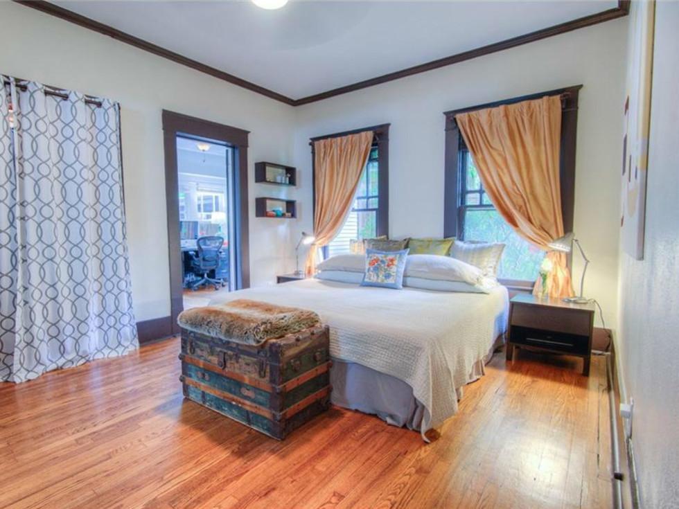 5823 Richmond Ave. Dallas home for sale master bedroom