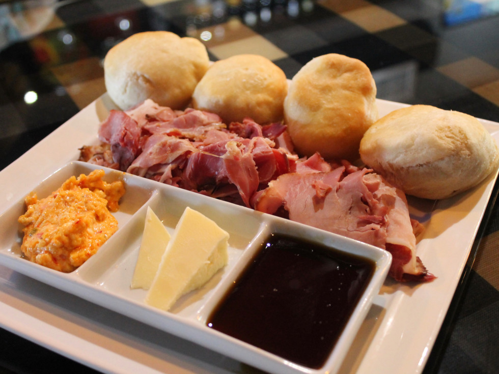 Harold's Tap Room country ham plate