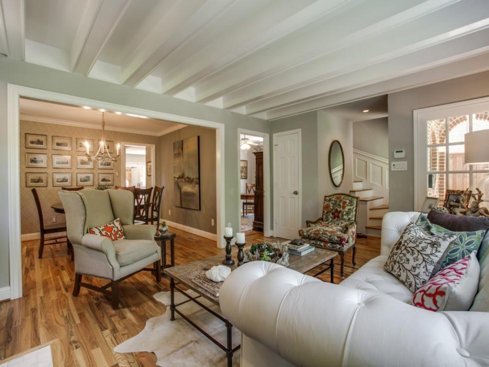 6932 Santa Monica Drive Dallas house for sale living room