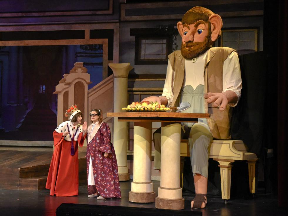 Brigette Marquardt and Faye Austin in Dallas Children's Theater's The BFG