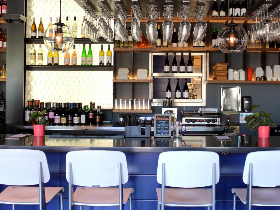 Hotel Eleven 11th Street Austin 2016 bar