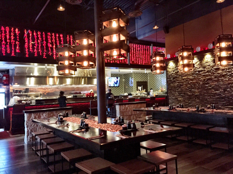 Mikoto ramen and sushi interior