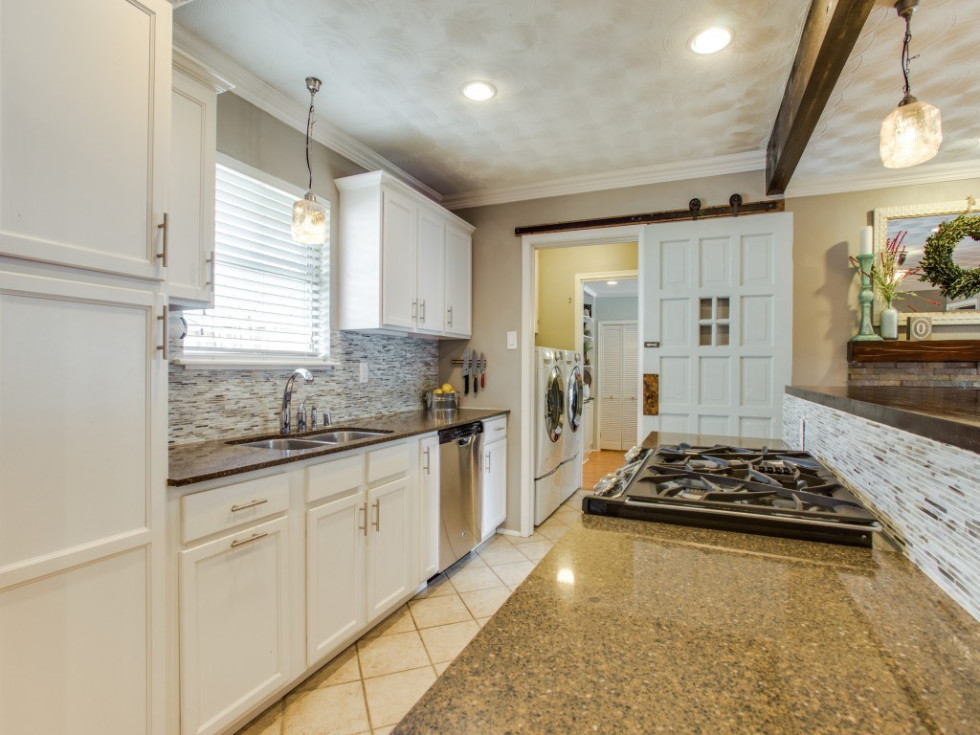 2421 Springhill Dr. kitchen