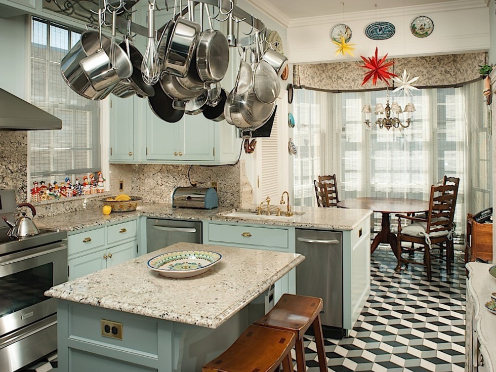 901 Kirby Dr. March 2016, kitchen