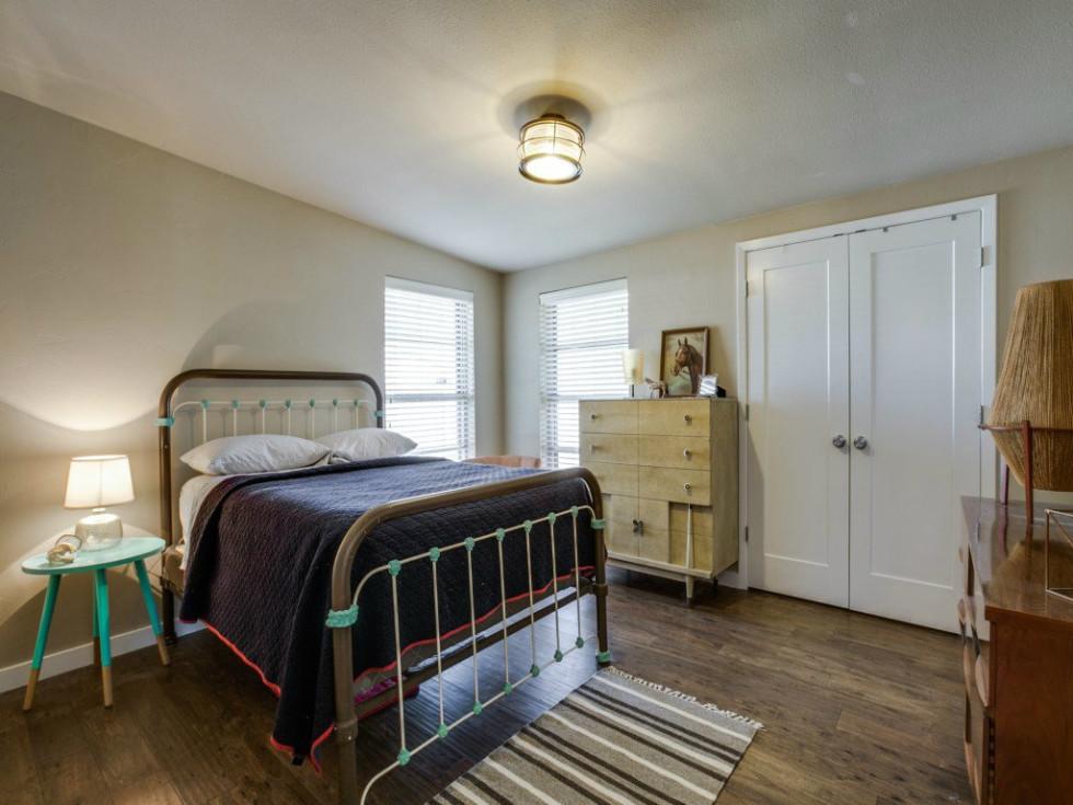 Dallas, home for sale, 936 peavy road, master bedroom