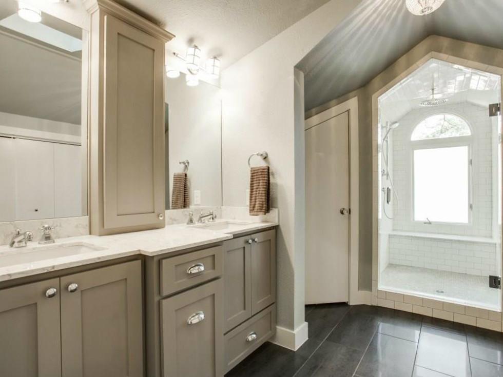 522 Monte Vista attic bathroom