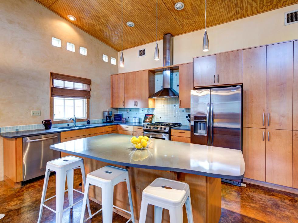 Austin home house 2105 E 9th St 78702 January 2016 kitchen