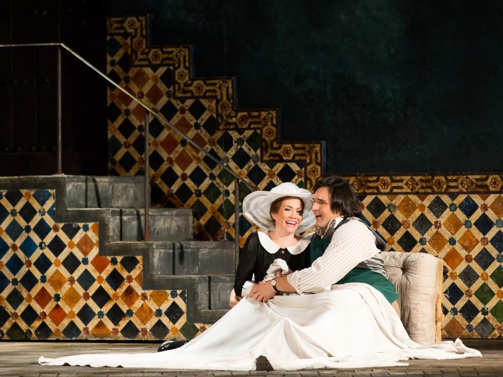 HGO Marriage of Figaro, Jan. 2016. Heidi Stober, Susanna; Adam Plachekta, Figaro;