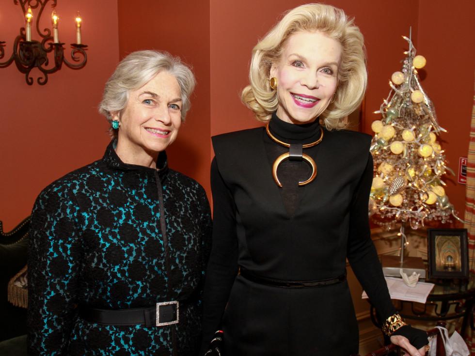 News, HGO Tea, Dec. 2015, Anne Mendelsohn, Lynn Wyatt