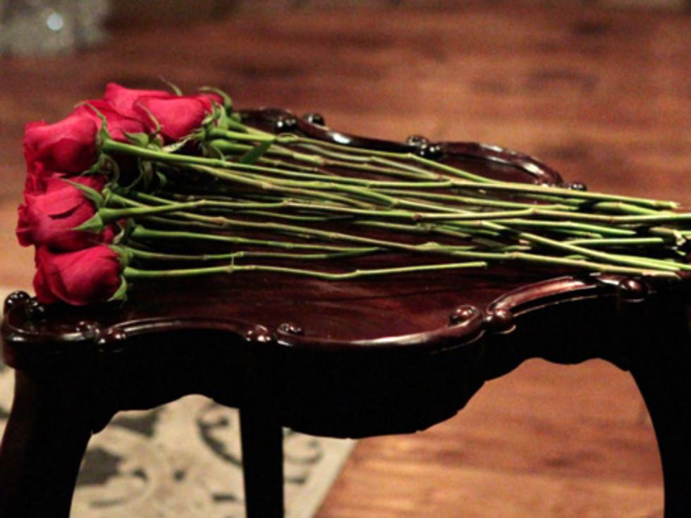 Houston, The Bachelor season 20, December 2015, red roses