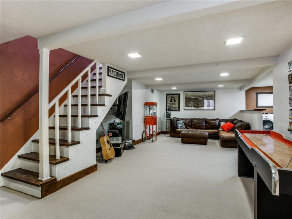 924 Lausanne Avenue Dallas home for sale finished basement
