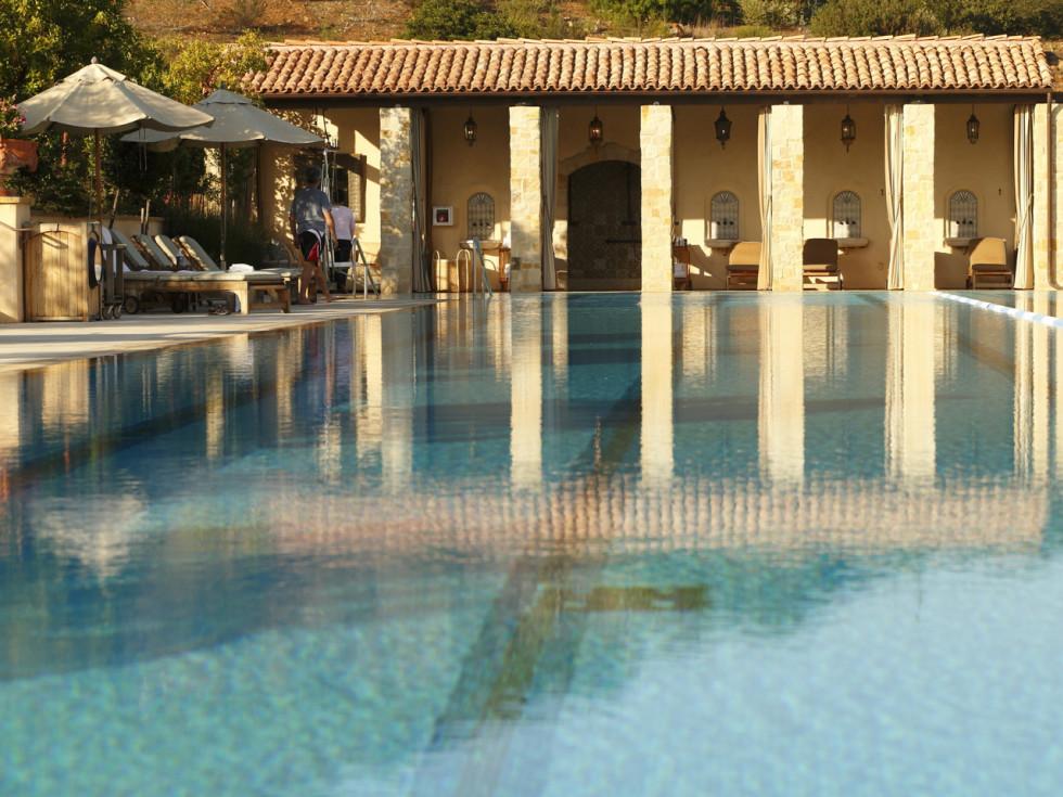 Cal-A-Vie Spa pool