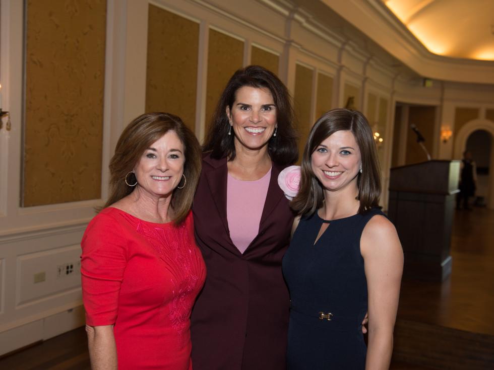 News, Shelby, Santa Maria Hostel, Oct. 2015, Kelli Fondren, Lisa Malosky, Lindsey Smith