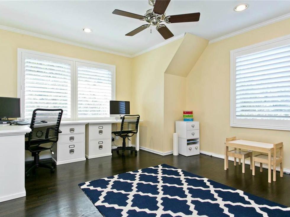 Office at 9722 Boedecker in Dallas
