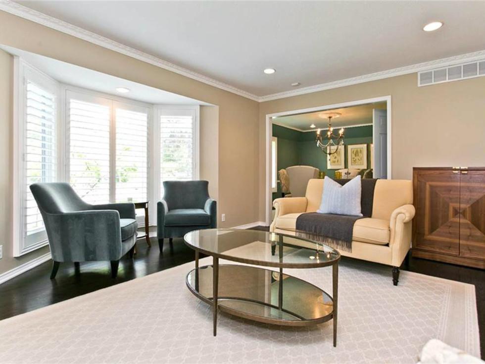 Living room at 9722 Boedecker in Dallas