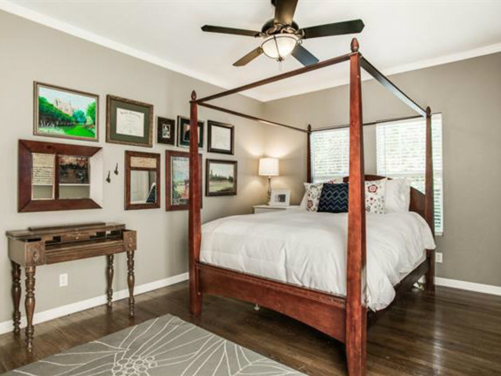 Master bedroom at 6051 Penrose Ave. in Dallas