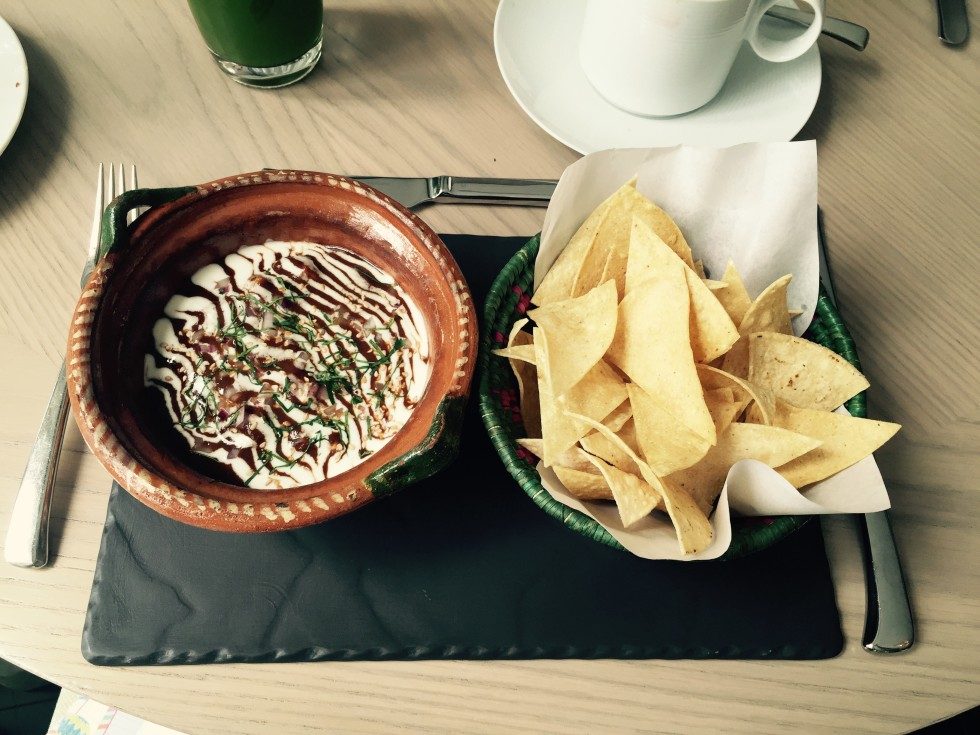 News, Shelby, Polanco in Mexico City, July 2015, scrambloed eggs con mole at Las Alcobas
