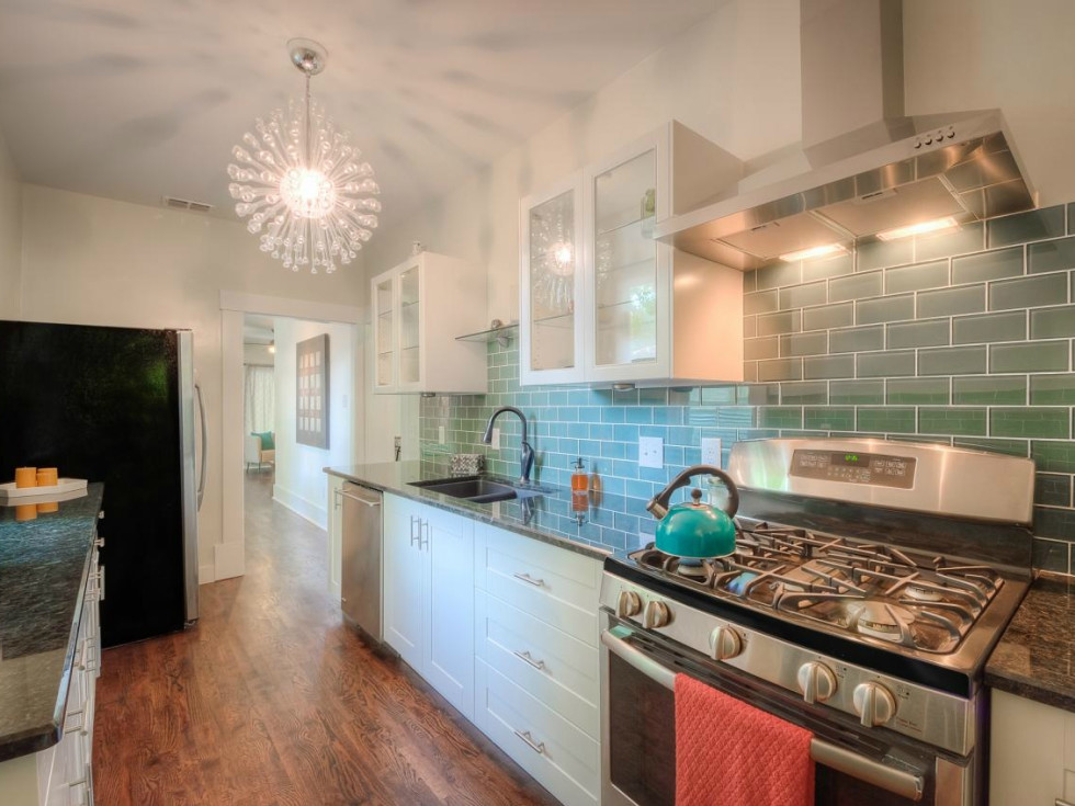 1122 Gunter St 78702 East Austin house kitchen 2015
