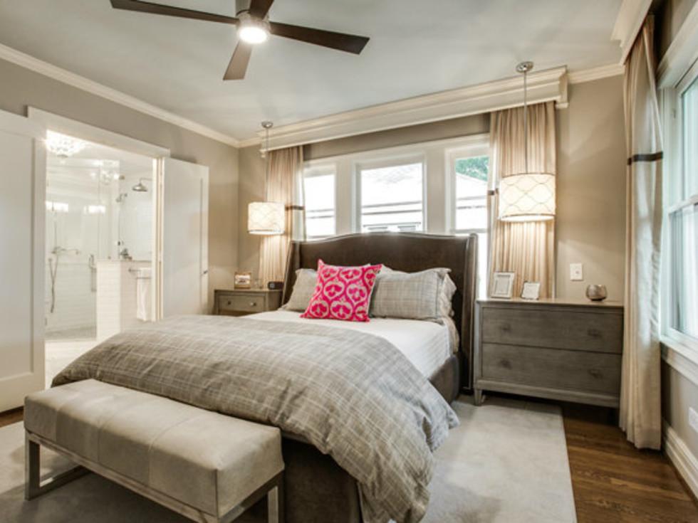 Master bedroom at 811 Monte Vista Dr. in Dallas