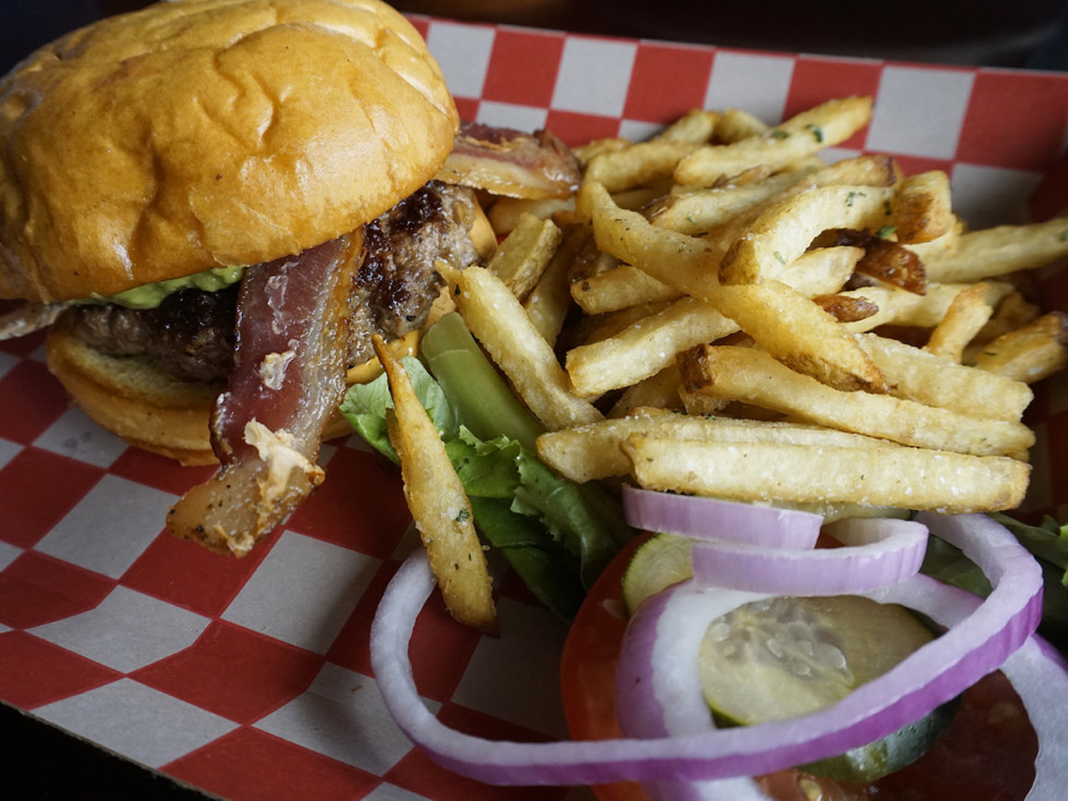 Hays City Store Sonora burger