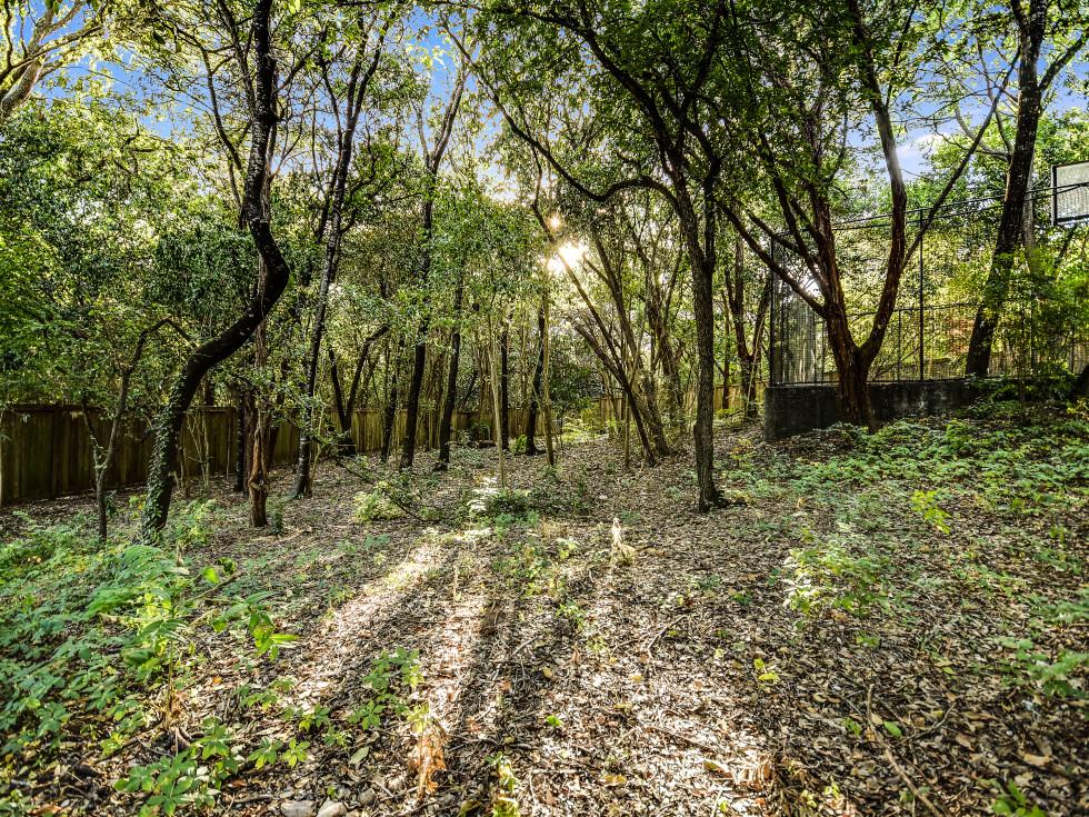 Austin house_109 Wood Trail