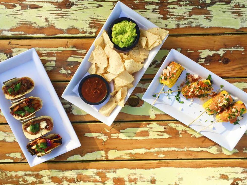 Cenote Austin bar restaurant tacos happy hour