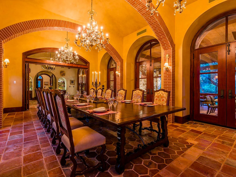 Mandola's estate in Austin dining room