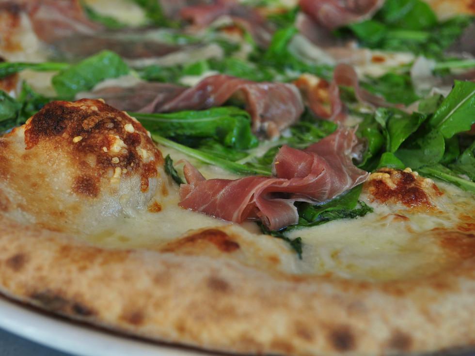 Stella Public House prosciutto arugula pizza