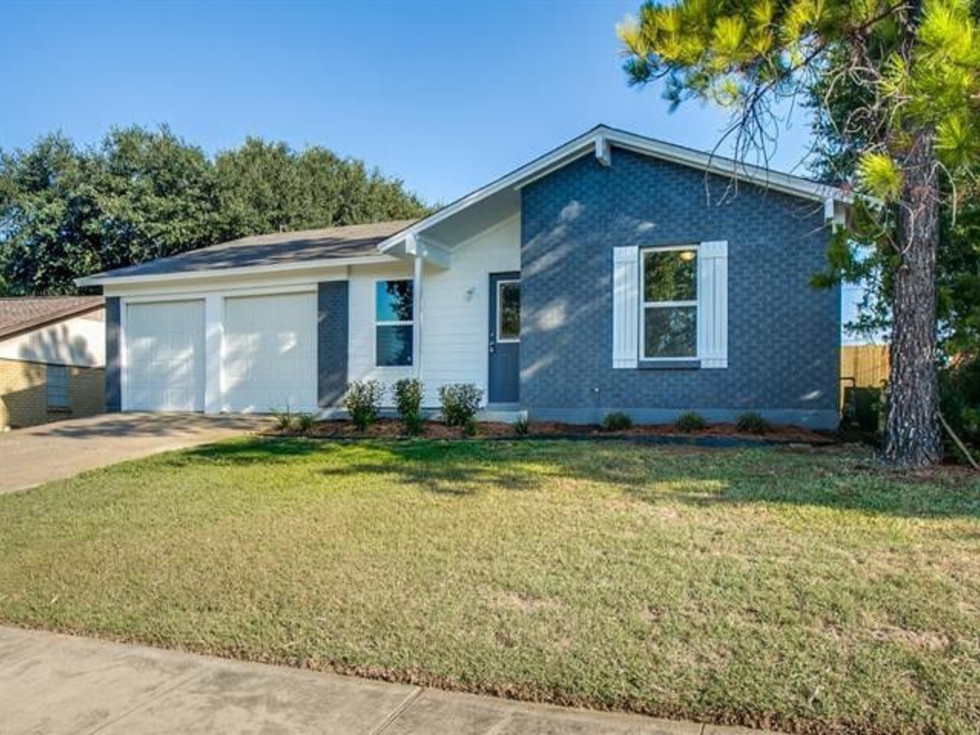 Home for sale in Watauga 5821 Haney Dr.