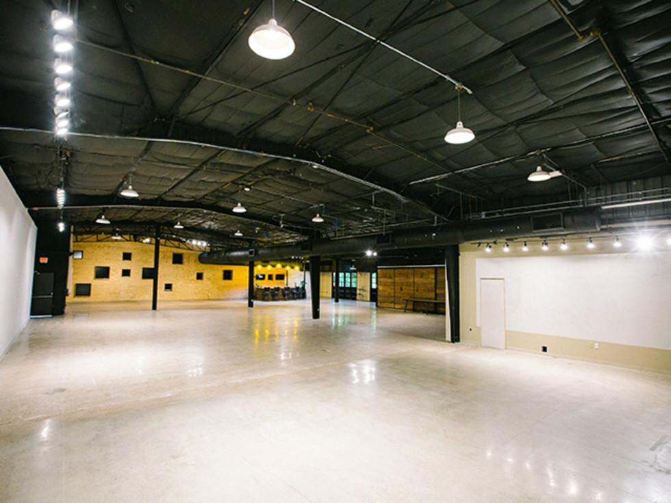 LZR Warehouse