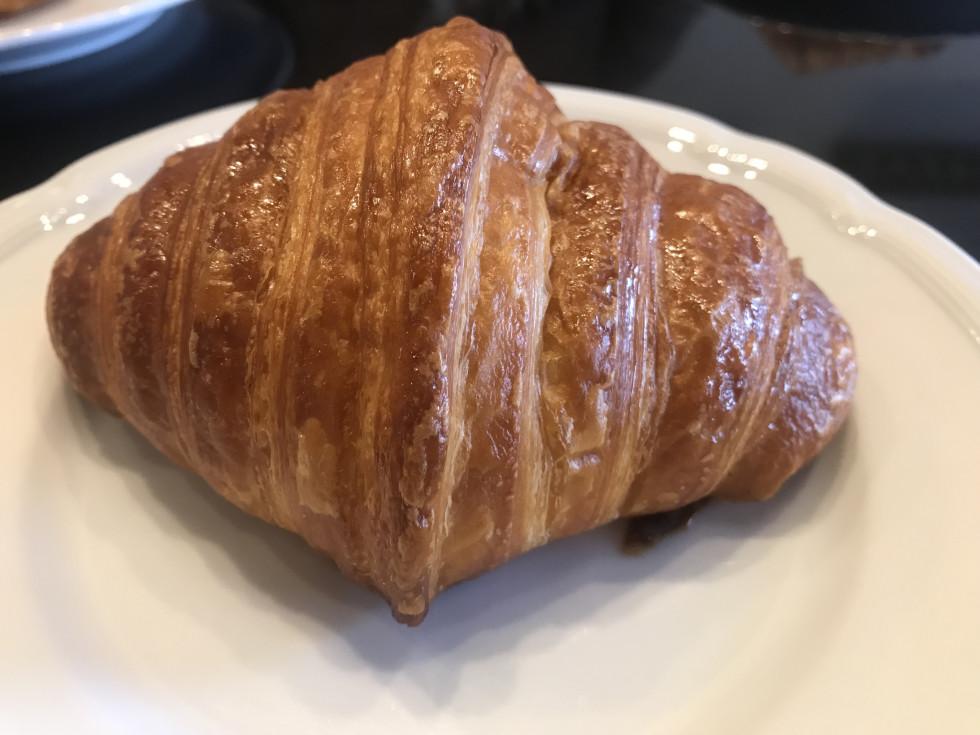 Eclair Cafe croissant
