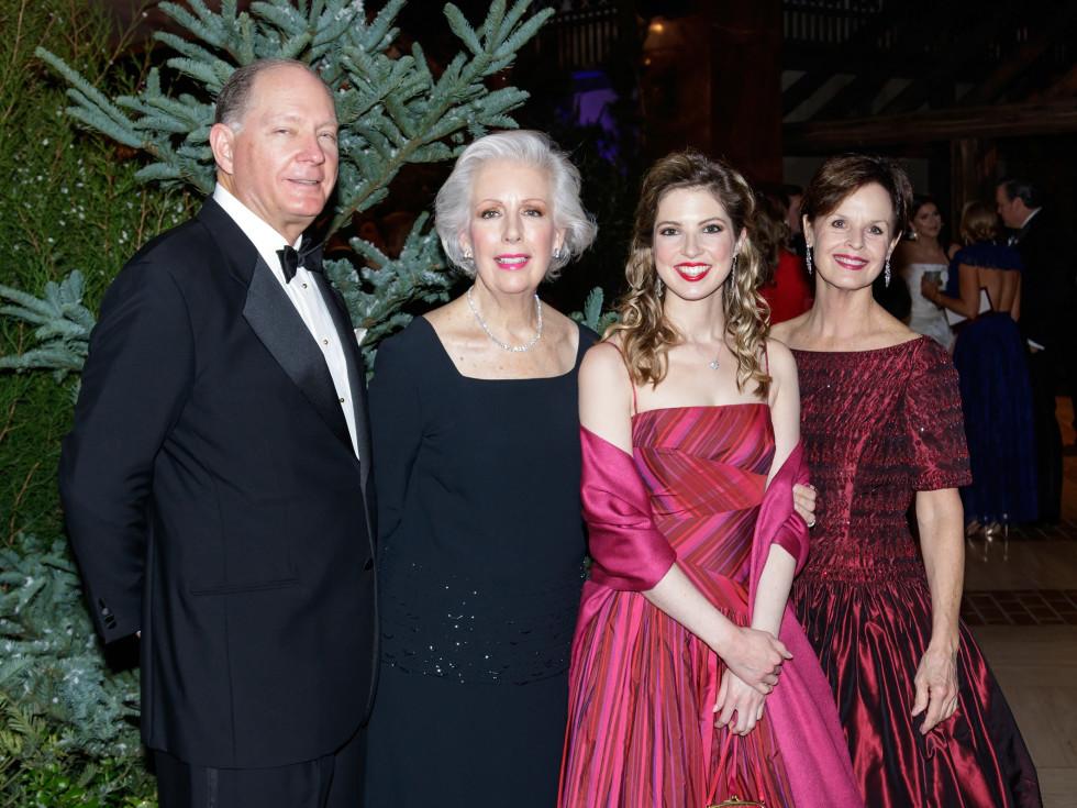 John Maxwell, Susan Maxwell, Mary Clare Maxwell, Nancy Knox, Crystal Charity Ball 2017