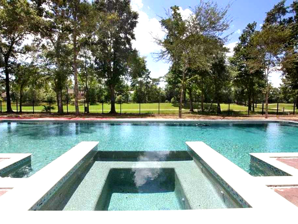 Houston Chris Paul new home The Wooodlands pool