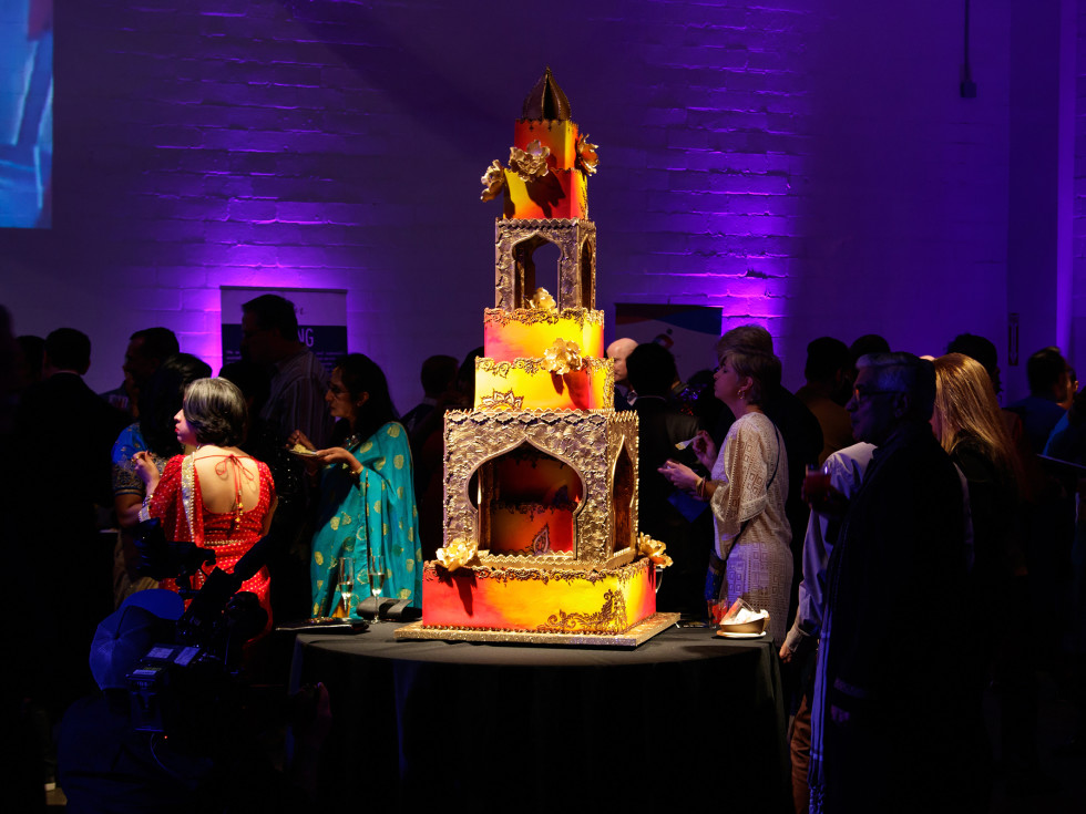 Frosted Art India palace cake