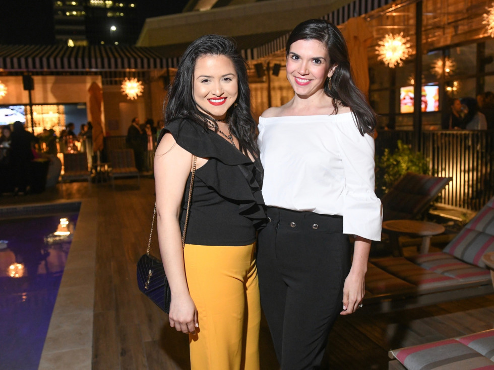 Daisy Mendoza and Gloria Luna Bounds