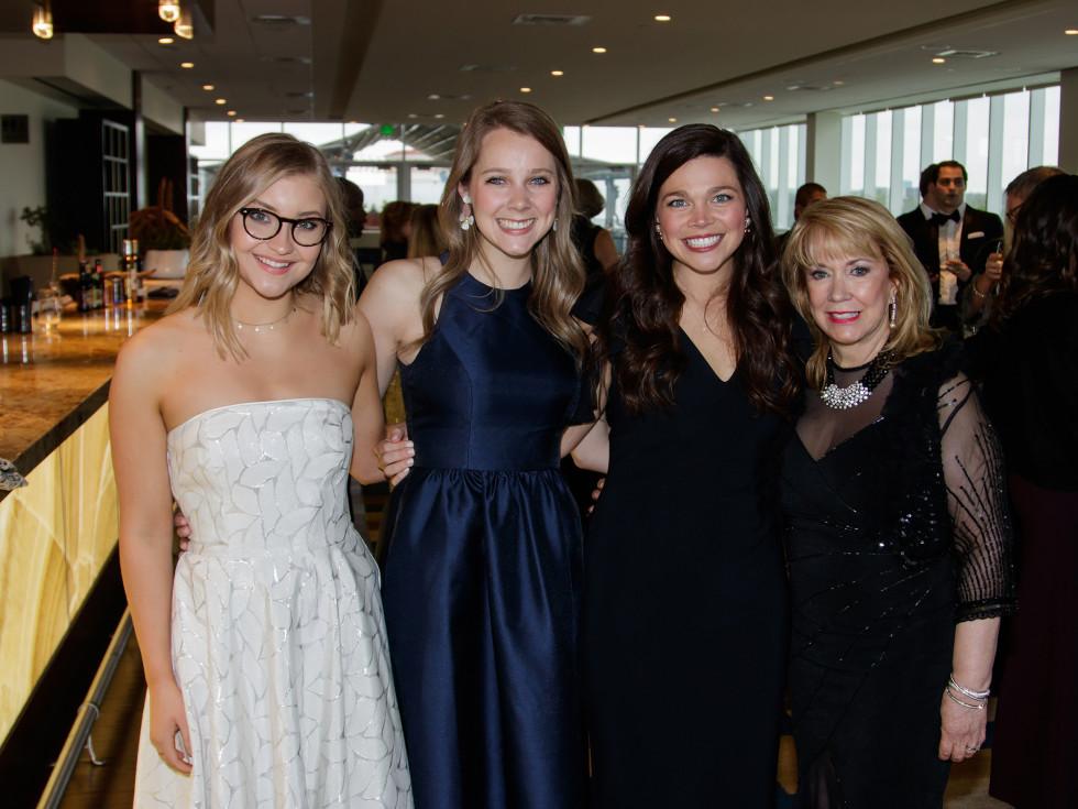 Tracie Cirotto, Meredith Barnes, Rachel Koonsman, Elaine Head