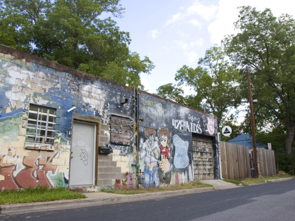 Austin photo: Places_Arts_Okay_Mountain_Gallery_Exterior