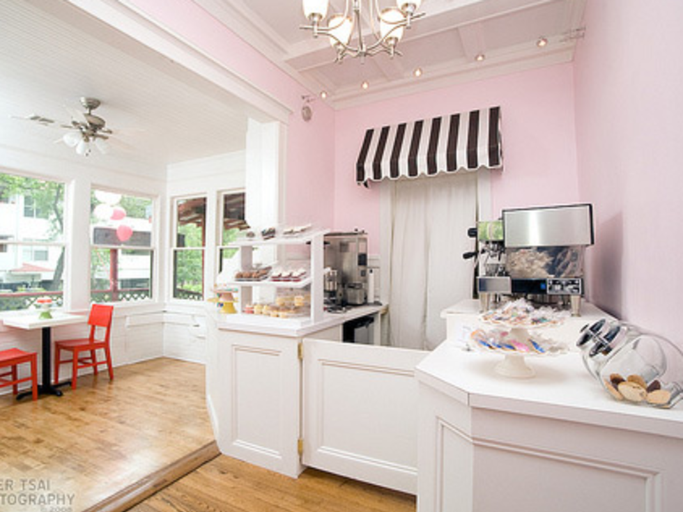 Austin Photo: Places_Food_polkadots_cupcake_factory_interior