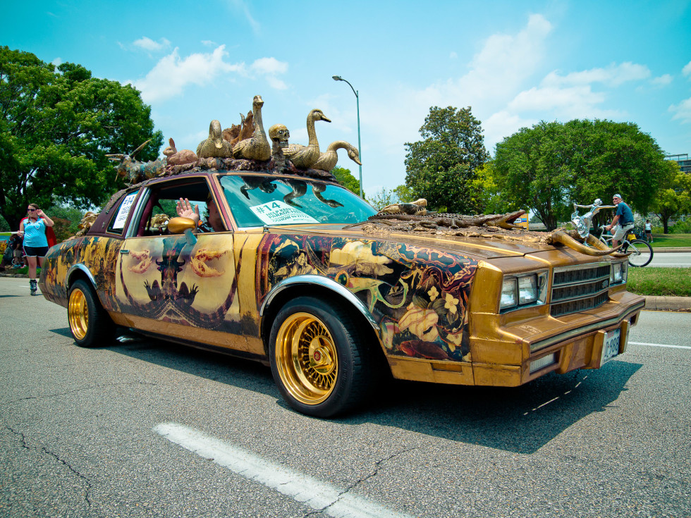 News_018_Art Car Parade