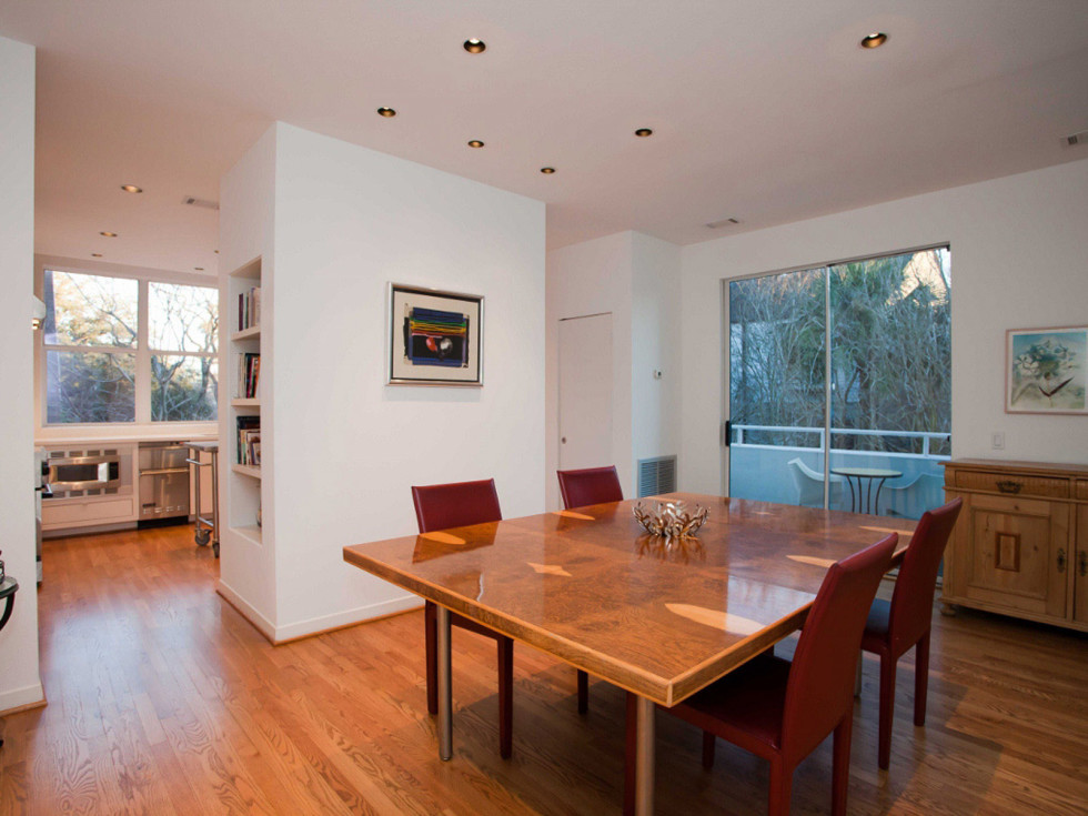 News_real estate confidential_June 2011_1220 Milford_Dining Room