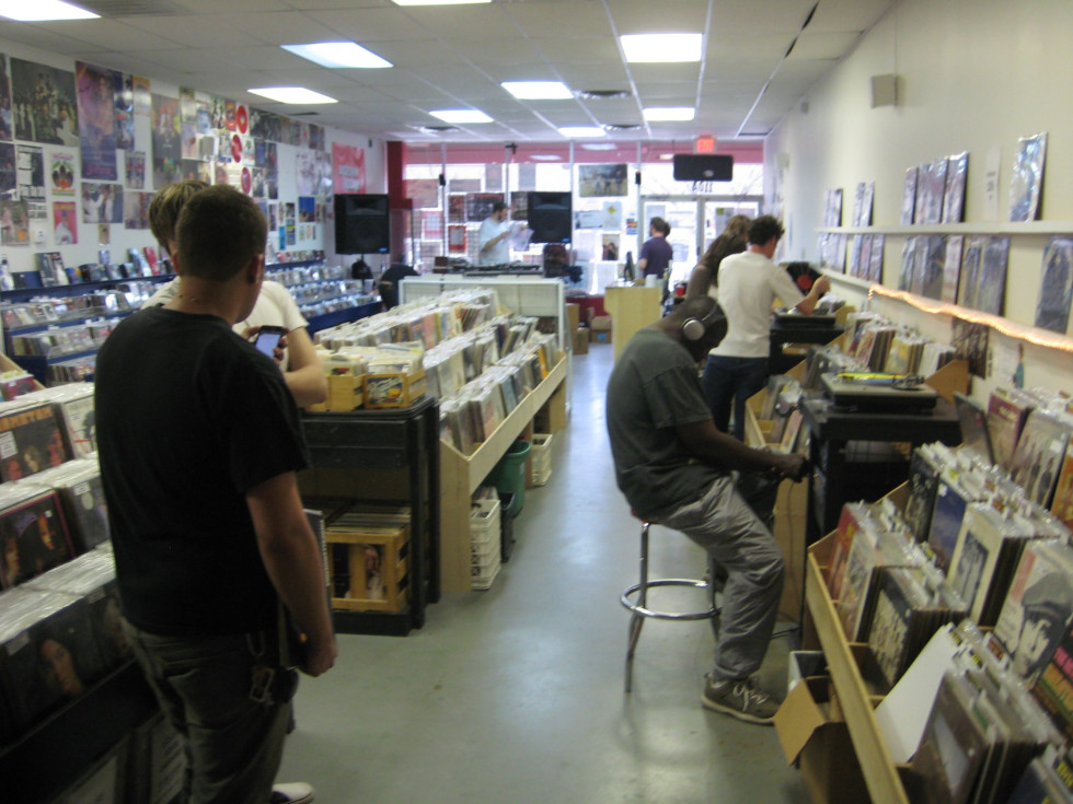 Austin Photo: Places_shopping_backspin_records_listening station
