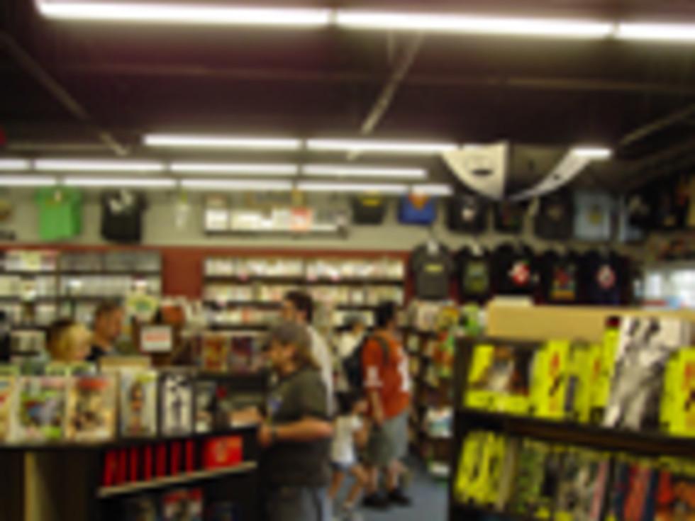 Austin Photo: Places_shopping_austin_books_and_comics_interior