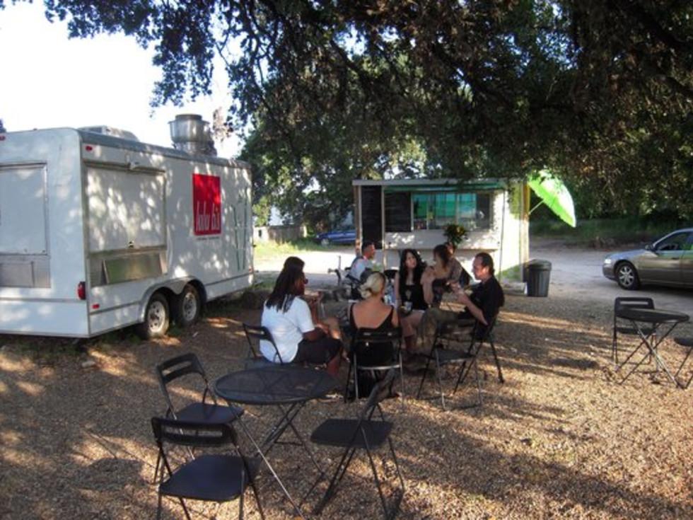 Austin Photo: Places_Food_hola_aloha_exterior
