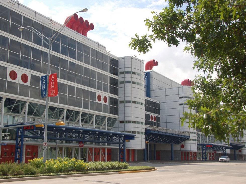 Places-Unique-George R. Brown Convention Center-close-1