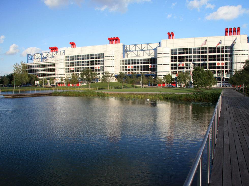 Places-Unique-George R. Brown Convention Center-complex-1