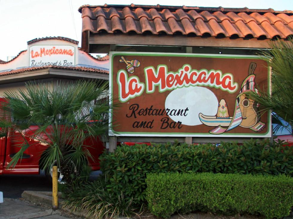 Places-Eat-La Mexicana-exterior-1