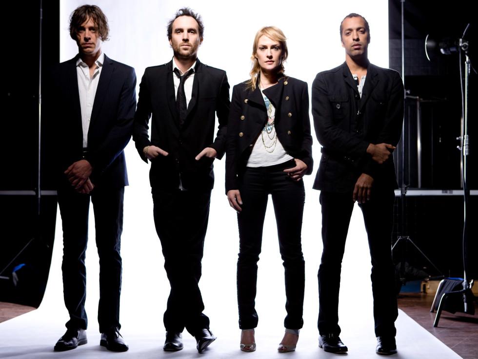 News_Metric_band members_Michael D. Clark_112709