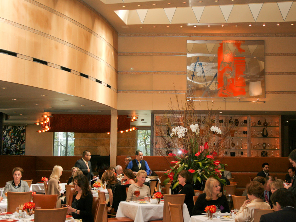 News_Tony's_restaurant_dining room