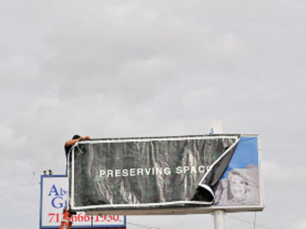 News_Steven Thomson_Preserving Space_sign3
